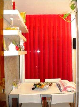 tenda rosso passione: telo di doppio velo a pieghe rovesciate, tende verona, arredamento mariano negozio tende verona
