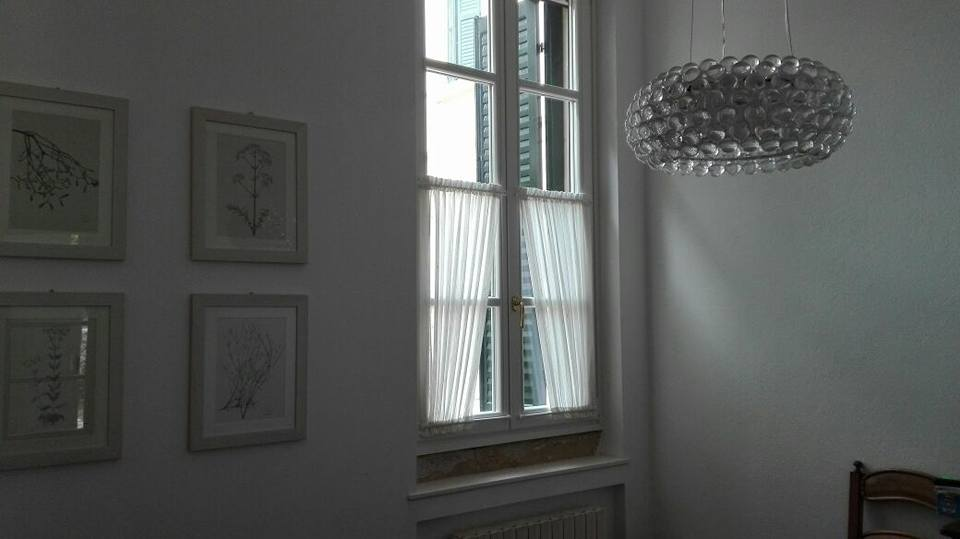 Le residenze antiche in citta vetri all inglese con for Negozi di arredamento verona