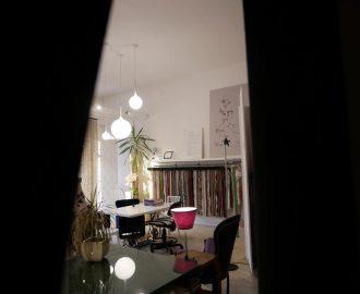 Tessuti, tende, cortine, imbottiti e drappeggi: le nuove collezioni degli editori tessili. interni, casa, verona